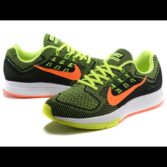 reputable site 4298a 6a1b4 Nike Air Zoom Structure 18 Men s Running Shoes. M 5c46012f035cf1d8e35c1bb5